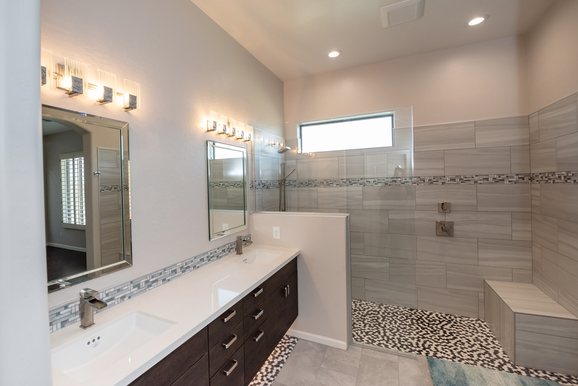 1_BHB-Remodeling-Master-Bath-Curbless-with-bench